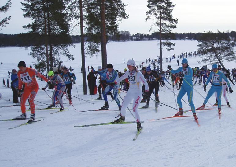 Vuokatti Hiihto kokoaa yhteen hiihdon ystävät vasta-alkajista kovan luokan kilpahiihtäjiin